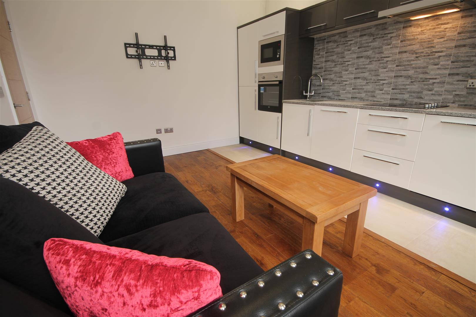 Lansdowne Terrace Newcastle Upon Tyne, 2 Bedrooms  Apartment ,To Let